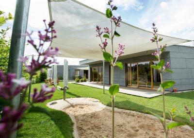 Kinderräume Architektur Blumen Garten Sandkasten